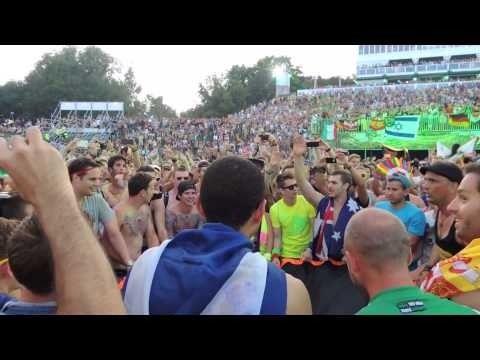 This only can happen at Tomorrowland