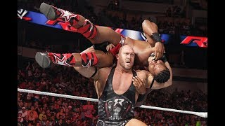 10 Deadly Wrestling Moves the WWE Banned