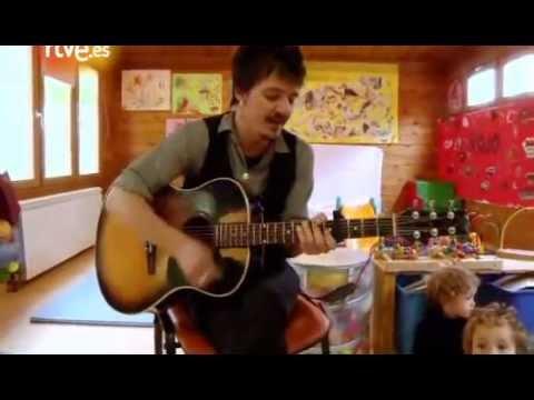 Coque Malla - 'No puedo vivir sin ti' (Cantando para preescolares @ Fuera de Lugar - TVE)