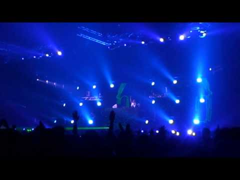 Baixar David Guetta Live in Bangkok (Thailand) Bitec Bangna - Play Hard ft. Ne-Yo, Akon