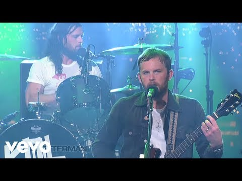 Baixar Kings Of Leon - Use Somebody (Live on Letterman)