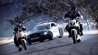 Cuộc rượt đuổi giữa xe môtô khinh điển [ototoanquoc.com ]