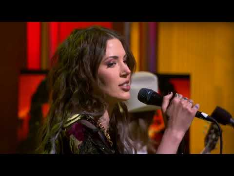 Dorothy performs 'Flawless' live on Good Day LA