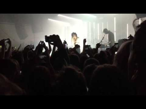 The Sound [Live] - The 1975