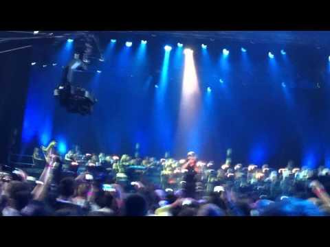 Баста. концерт в Крокусе 2012 .Отпускаю. Крокус