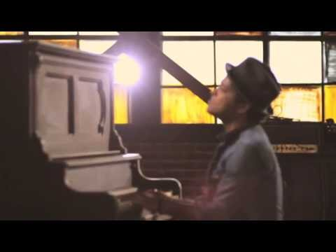 Bruno Mars   Just The Way You Are OFFICIAL VIDEO s