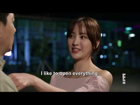 Open-Minded Girlfriend Jung Hye Sun | SNL Korea 9 |  E! Asia