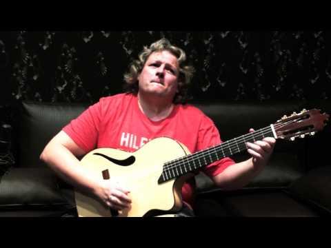 ENTRE DOS AGUAS. Nacho Abril con su guitarra Francisco Bros Mod.