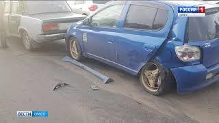 Сегодня утром в Омске на улице 10 Лет Октября произошло серьёзное ДТП