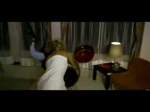 Holly Valance striptease