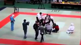 Màn đấu võ thuật hài hước, không thể nhịn cười  :))