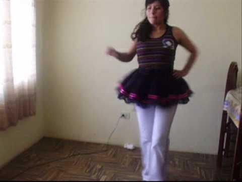 saya ella baila asi