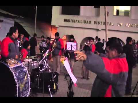 BANDA SHOW FILARMONICA HUASTA - Retreta en Pamparomas (3)