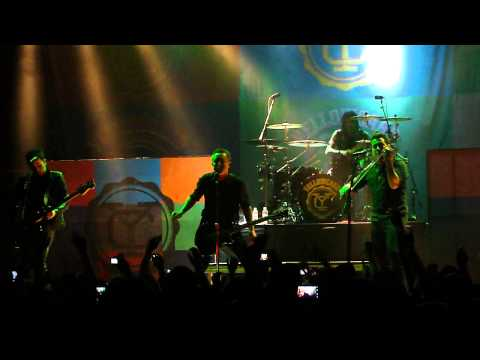 Yellowcard - The Sound of You and Me Live