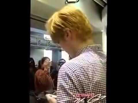 Exo's 2014 Showtime ; EXO Kris @ Guangzhou Airport buying a luggage .mas brow