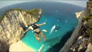 Stunning base jumping