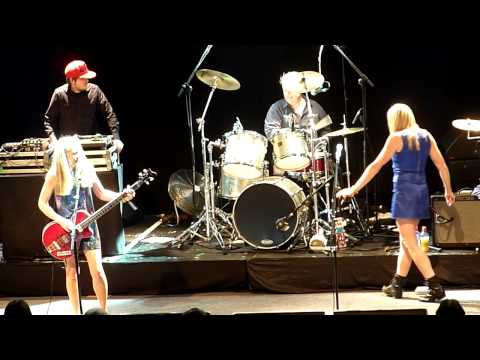 Baixar Tom Tom Club - Genius Of Love -.Live In Dublin 2011