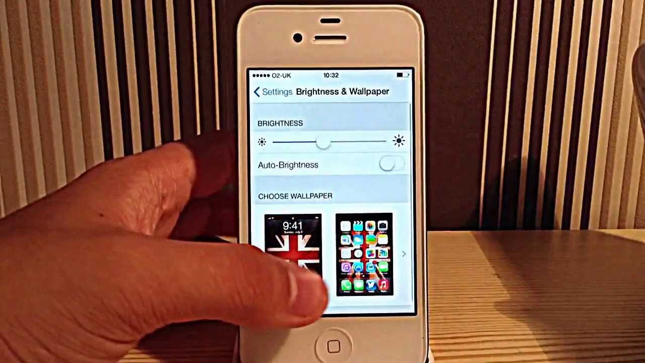 IOS 7 Beta running on the iPhone 4S - YouTube