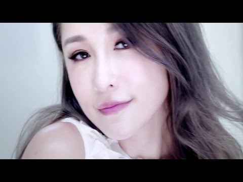蕭亞軒Elva Hsiao – 浪漫來襲 Romance Strikes (Official HD MV)