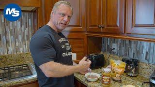 What Pro Bodybuilders Eat for Breakfast | Breakfast & PWO w/ John Meadows