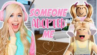 I GOT ADOPTED IN BROOKHAVEN! (ROBLOX BROOKHAVEN RP)