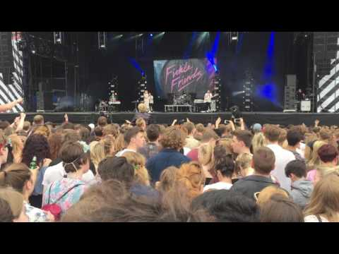 Fickle Friends - Cry Baby @ Community Festival, Finsbury Park (1/7/17)