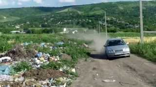 Gunoiște periculoasă între două sate la Sîngerei