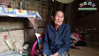 Trao 35 triệu đồng đến bà cụ 79 tuổi sống một mình giữa đồng