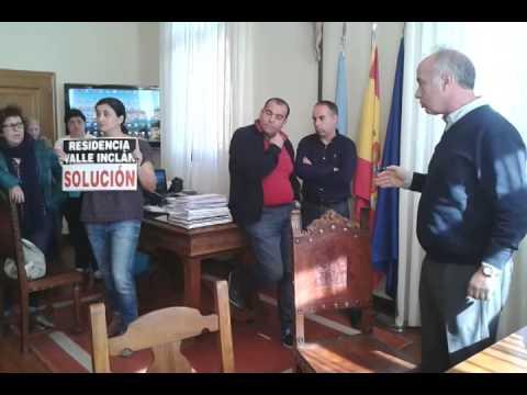 Desalojo de las extrabajadoras de Valle-Inclán en Vilanova