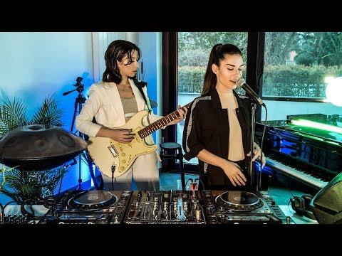 Giolì & Assia - #DiesisLounge @Episode03 [Handpan, Guitar, Piano]