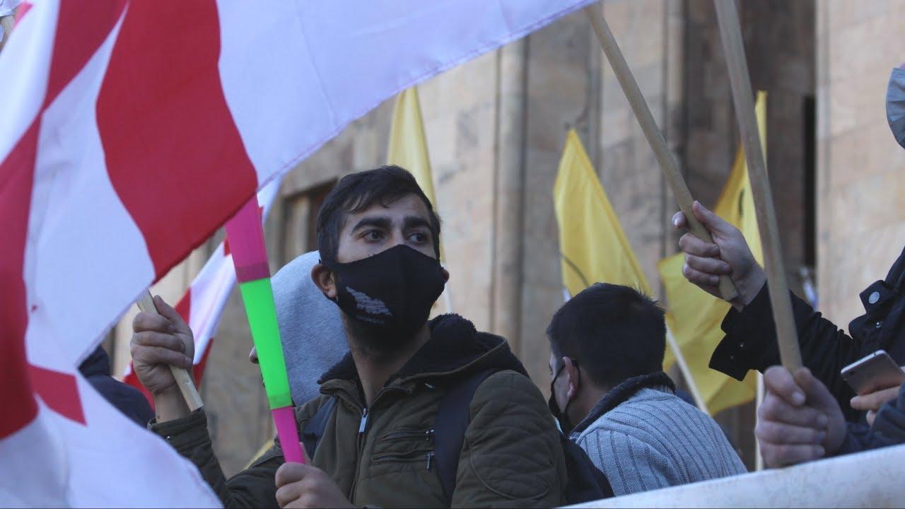 Власти Грузии ответили комендантским часом на ультиматум оппозиции