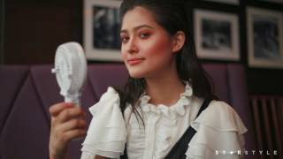 Maureen Wroblewitz Shows Us 10 Things Inside A Model's Bag   Star Style Beauty