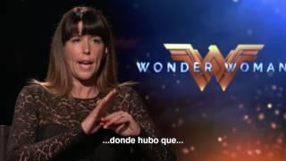 MUJER MARAVILLA - Entrevista a Patty Jenkins - Oficial Warner Bros. Pictures
