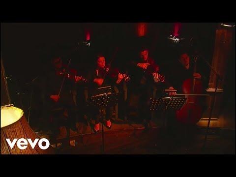 Elvana Gjata - Si une (Acoustic Live Session)