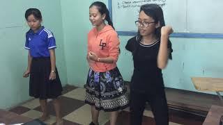How to dance happily ! Children happy dancing !