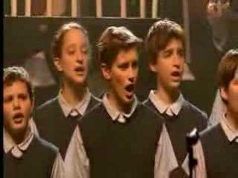 los niños del coro Vois Sur Ton Chemin