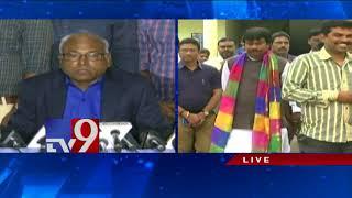 Kancha Illaiah responds to Arya Vysyas' threats..