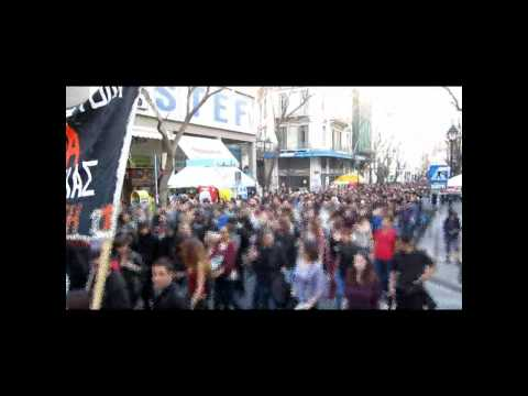 Greece: 3.000 march in solidarity to Athens Indymedia & 98 FM