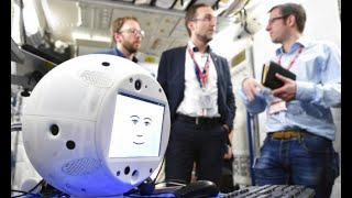 إطلاق إنسان آلي لمساعدة رواد الفضاء     -