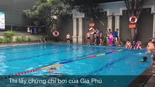 Buổi thi lấy chứng chỉ bơi lội của Gia Phú