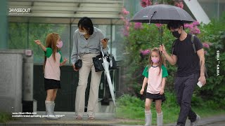 ☔️ kids asking Koreans to share their umbrellas with them | social experiment