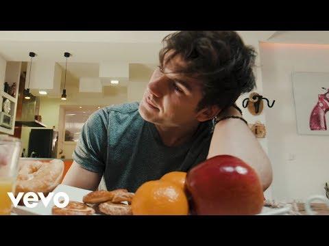 DVICIO - Qué tienes tú ft Jesús / REIK & Mau y Ricky (Video Oficial)