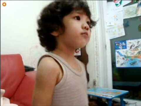 【SHINee Hello Baby Yoogeun】〖101001〗Yoogeun dancing and singing to SHINee's Hello