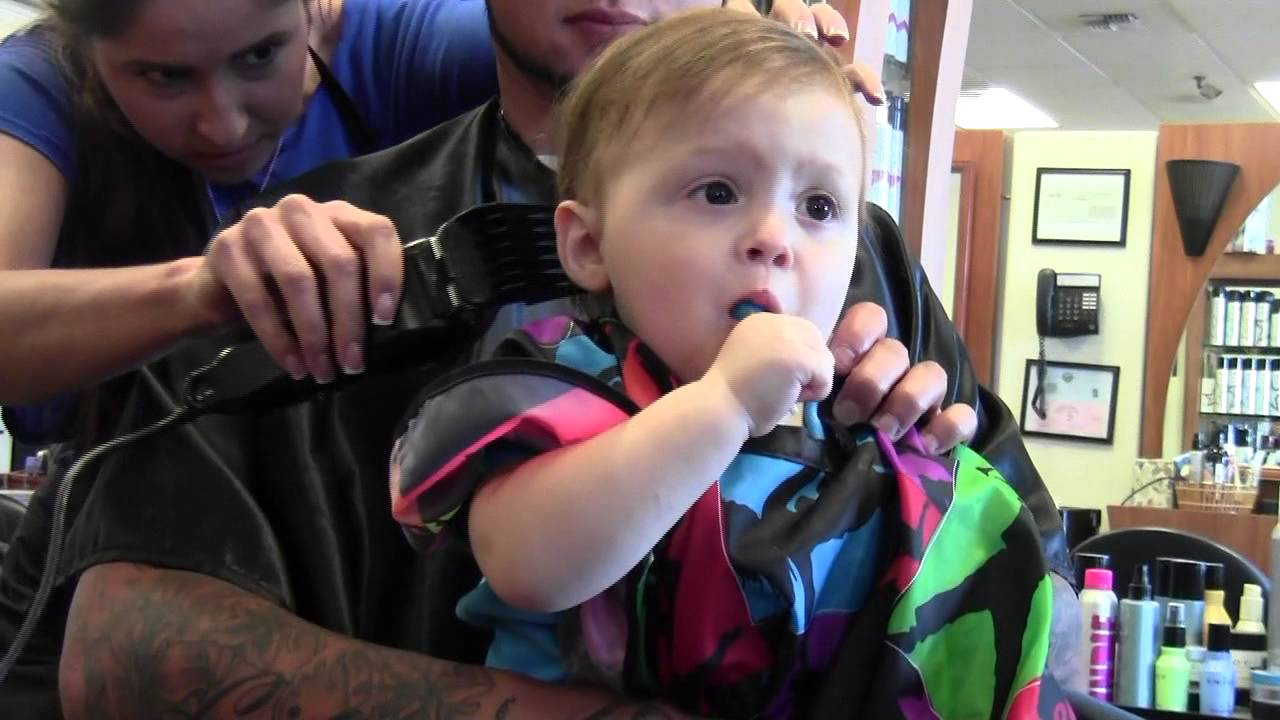 The Twins' 1st Haircut! - Smashpipe People Video