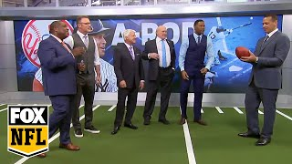 A-Rod tries to complete pass to Jay Glazer, and 'FOX NFL Sunday' monitor pays price