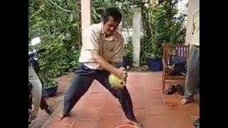 Chặt dừa không điểm tựa