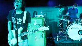 """The Cribs performing """"Back To The Bolthole"""" live on the Weezer Cruise 2014 - Night 1"""