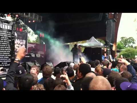 Baixar Jay Rock does back flip on stage!!! Hood Gone Love It