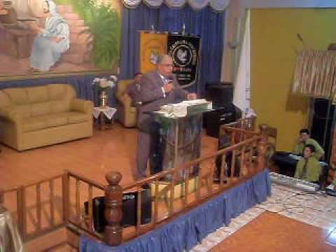 Pastor  Jose Liberona:   tema  NO TE RINDAS 2