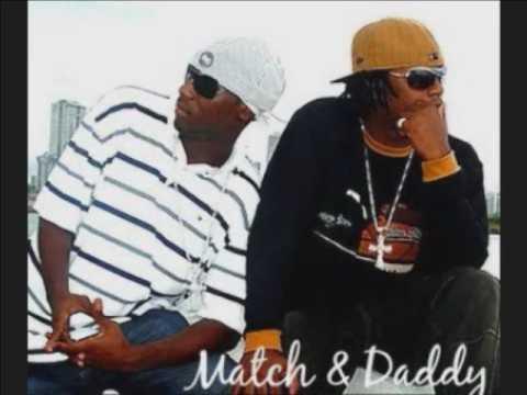 Match and Daddy - pasame la botella